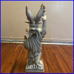 Bugs Bunny Figurine Warner Bros Store Souvenir Statue Liberty NYC Vintage Rare