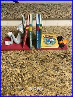 Extremely Rare! Looney Tunes Bugs Bunny and Daffy Duck Figurine Bookends Statues