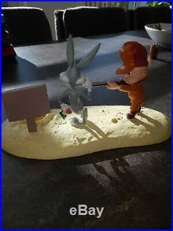 Extremely Rare! Looney Tunes Elmer Fudd with Bugs Bunny at Gunpoint Fig Statue