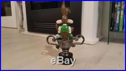 Extremely Rare! Looney Tunes Wile E Coyote in Pool Trophy Figurine Statue
