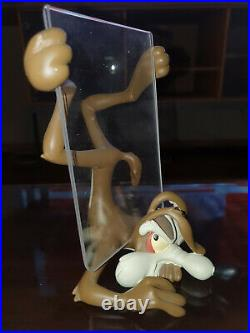 Extremely Rare! Wile E Coyote Demons Merveilles Figurine Picture Frame Statue