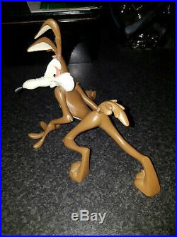 Extremely Rare! Wile E Coyote Hunting for Road Runner Demons & Merveilles Statue