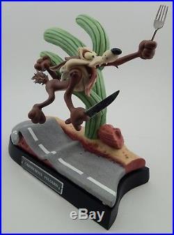 Goebel Rare Looney Tunes Spotlight Carnivorous Vulgaris Wile E Coyote LT013 NIB