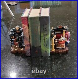 HARRY POTTER Hogwarts Train Platform 9 3/4 Bookends RARE 2000 Warner Brothers