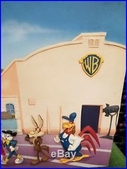 Huge & Rare Warner Brothers Looney Tunes 3D Store Display 86.5 x 42.5 x 6.5