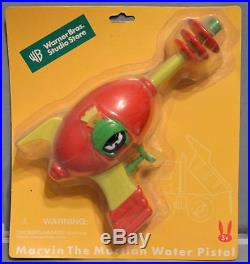 MARVIN The MARTIAN RAY GUN WATER PISTOL 1999 MOC RARE Looney Tunes WB Store Excl
