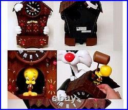 RARE Looney Tunes Sylvester & Tweety Action, Talking & Music Cuckoo Clock VIDEO