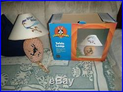 Rare 1999 Looney Tunes Wile E Coyote Road Runner Table Lamp in box