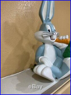 Rare Looney Tunes BUGS BUNNY 25 Figure Statue 1996 Warner Bros Studio Store