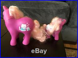 Rare My Little Pony vintage Beachy Keen kitten Mommy Baby set with bottle crib