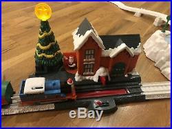 Rare Thomas the Train Thomas Christmas Delivery Trackmaster Complete Set 2011