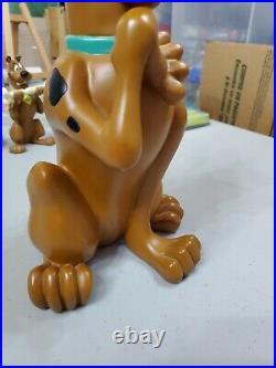 Scooby Doo Statue Fig Hanna Barbera 13 Tall Warner Bros Studio Store Rare 1999