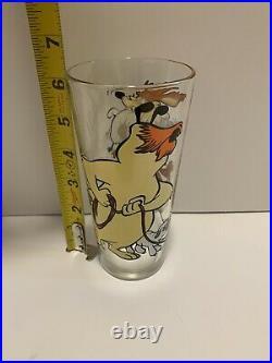 VTG 1976 Looney Tunes Sheepdog and Coyote Pepsi Collector Cup Warner Bros Rare
