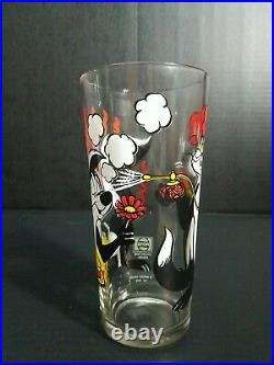Vintage EXTREMELY RARE 1976 Pepe le Pew and Penelope Pepsi Glass Warner Brothers
