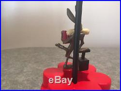 Vintage RARE Wile E Coyote 1997 Warner Brothers TNT Table Lamp with MATCHING SHADE