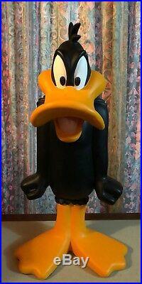 Warner Bros 23 Daffy Duck Statue 1997 Studio Store RARE Looney Tunes