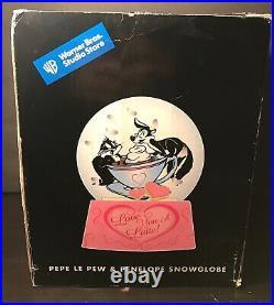 Warner Brothers Pepe Le Pew Penelope Snowglobe Love You A Latte 2000 Rare