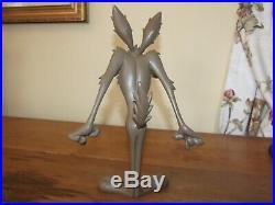 Warner Brothers Rare Wile E Coyote Resin Statue Figurine Ornament Loony Tunes