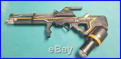 Weta district 9 gas projector prop 1/1 scale. RARE (54/200)