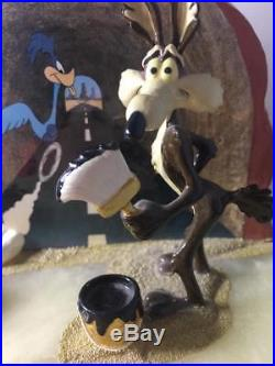 Wile. E Coyote Road Runner Ron Lee Signed Sculpture Warner Brothers RARE