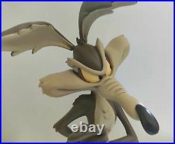Wile E Coyote Warner Bros Looney Tunes statue big fig figurine figure RARE